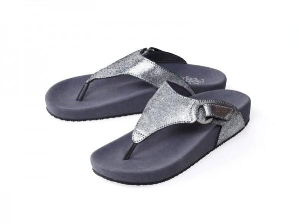 รูปด้านหน้า รองเท้าแตะเพื่อสุขภาพ Klas & Sylph แบบหูคีบ รุ่น Amanda สีเงินกลิตเตอร์เมทัลลิค ลดอาการปวดรองช้ำ ปวดส้นเท้า