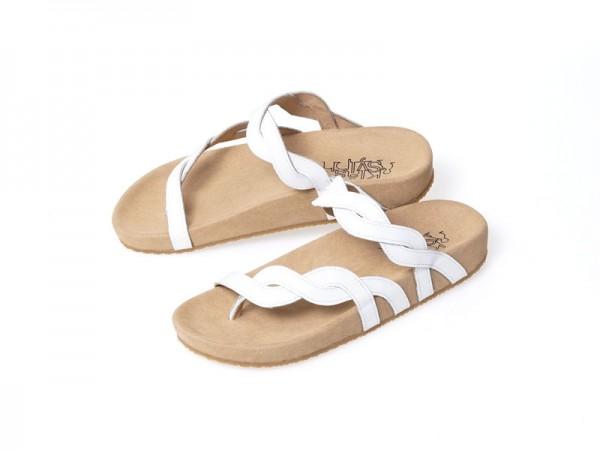 รูปด้านหน้า รองเท้าแตะเพื่อสุขภาพ Klas & Sylph แบบหูคีบ รุ่น Elena สีขาว ลดอาการปวดรองช้ำ ปวดส้นเท้า