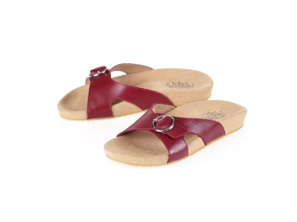 รูปด้านหน้า รองเท้าแตะเพื่อสุขภาพ Klas & Sylph แบบสวม รุ่น Kari สีแดงเข้ม ลดอาการปวดรองช้ำ ปวดส้นเท้า