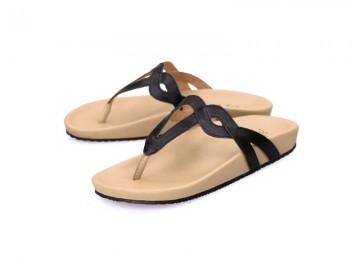 รูปด้านหน้า รองเท้าแตะเพื่อสุขภาพผู้หญิง Klas & Sylph แบบหูคีบ รุ่น Eleni สีดำ ลดอาการปวดรองช้ำ ปวดส้นเท้า