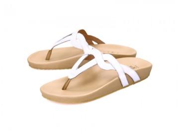 รูปด้านหน้า รองเท้าแตะเพื่อสุขภาพผู้หญิง Klas & Sylph แบบหูคีบ รุ่น Eleni สีขาว ลดอาการปวดรองช้ำ ปวดส้นเท้า