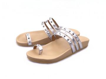 รูปด้านหน้า รองเท้าแตะเพื่อสุขภาพผู้หญิง Klas & Sylph รุ่น Sasha สีเงิน ลดอาการปวดรองช้ำ ปวดส้นเท้า