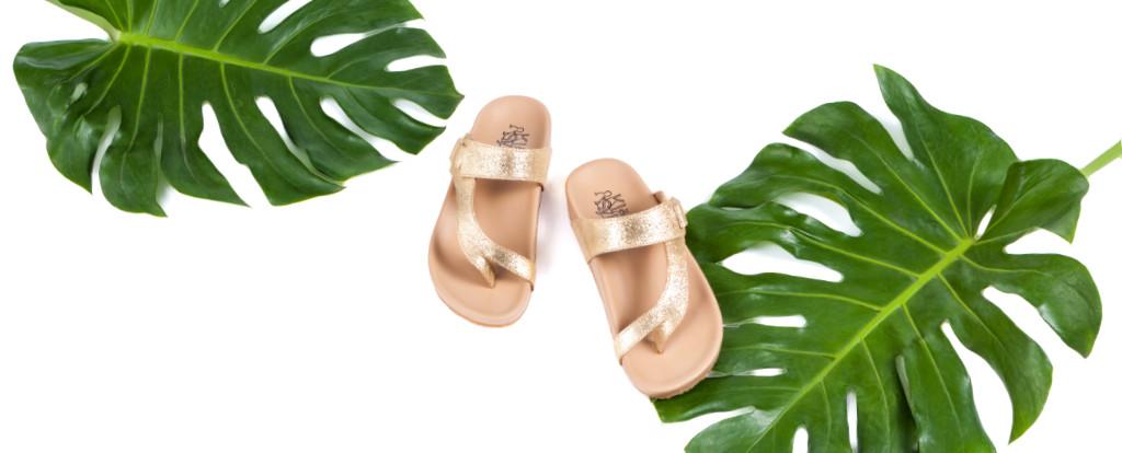 รองเท้าแตะเพื่อสุขภาพรุ่น Tracy สีทองกลิตเตอร์ มีใบไม้ประกอบฉาก ภาพใหญ่