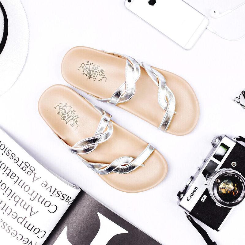 รองเท้าแตะเพื่อสุขภาพ Klas & Sylph รุ่น Elena สีเงิน (1)