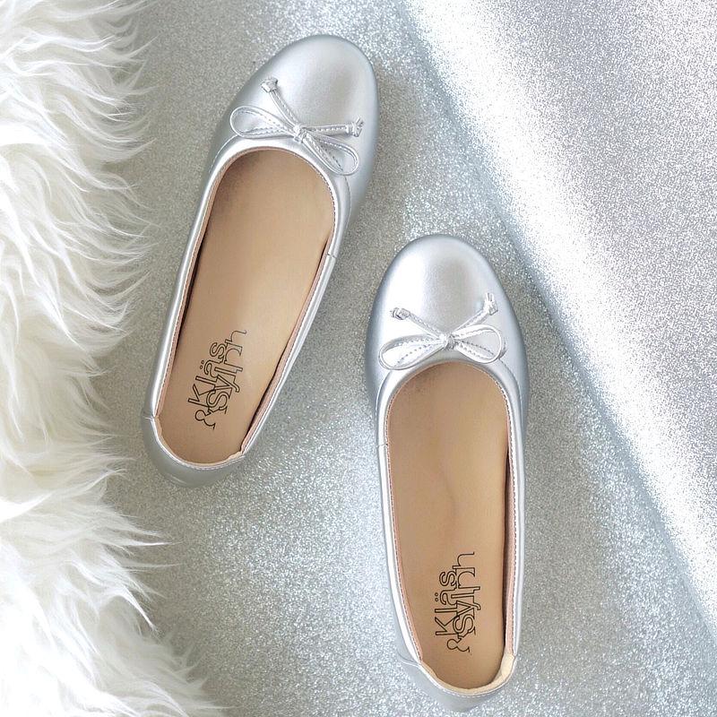รองเท้าส้นเตี้ยเพื่อสุขภาพ Klas & Sylph รุ่น Paris สีเงิน (2)