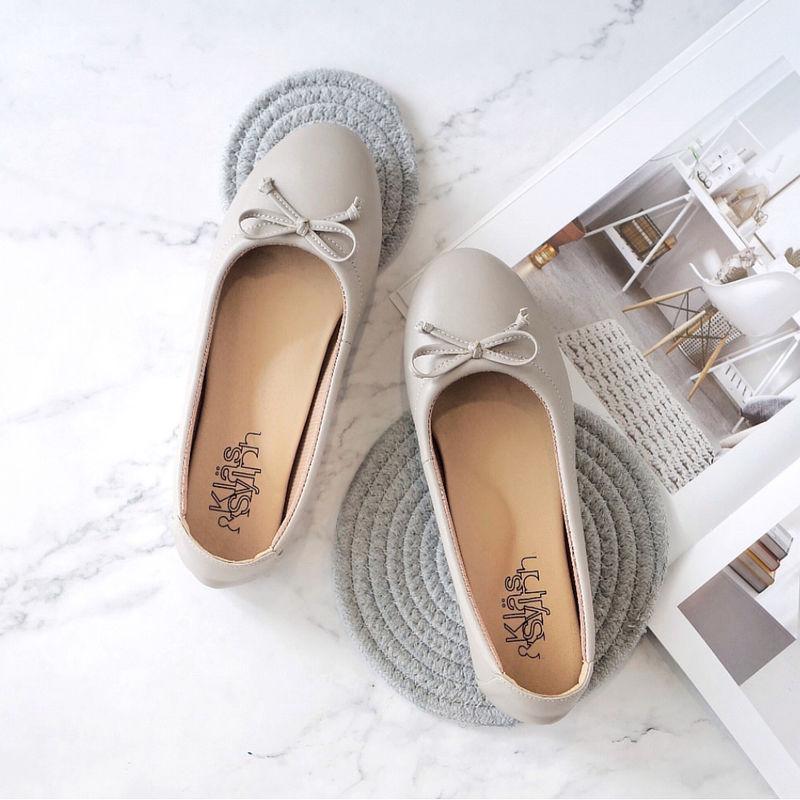 รองเท้าส้นเตี้ยเพื่อสุขภาพ Klas & Sylph รุ่น Paris สี Taupe (2)