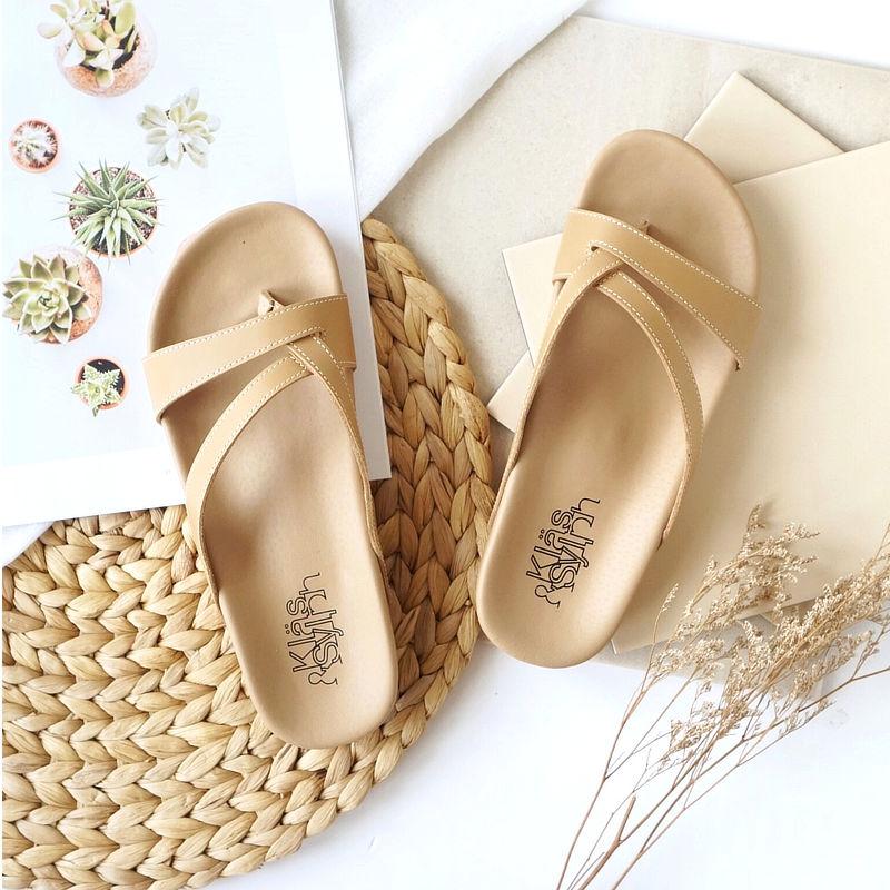 รองเท้าแตะเพื่อสุขภาพ Klas & Sylph รุ่น Rhea สีเบจ (1)