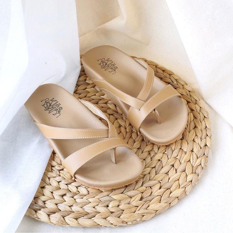 รองเท้าแตะเพื่อสุขภาพ Klas & Sylph รุ่น Rhea สีเบจ (2)