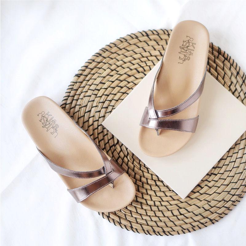 รองเท้าแตะเพื่อสุขภาพ Klas & Sylph รุ่น Rhea สีบรองซ์
